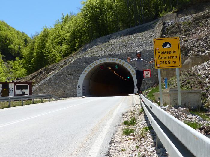 Les tunnels sont longs! Heureusement peu fréquentés ici