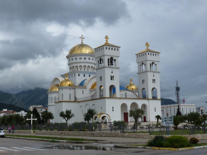 OrthovsCatho : mais qui aura la plus grosse église?